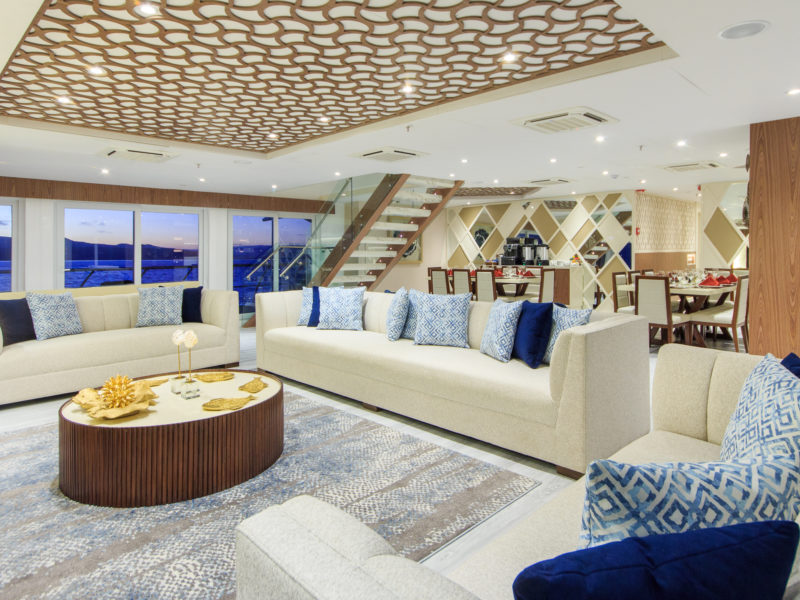 Die Elite Panorama Lounge bei Galapagos Pro die Galapagos-Kreuzfahrt Elite